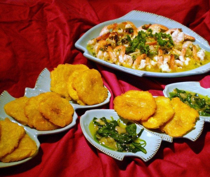 Shrimp in buttery garlic sauce & Tostones